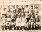 Mrs. Tarrant's 4th grade class at Wyngate. From back row left: Charles Russell, Donna Hilton, Alan Kaufman, Carl An
